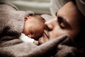 Le congé de paternité et de l'accueil de l'enfant : pour qui et à quelles conditions ?
