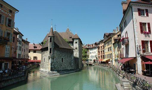 Quels sont les intérêts d'un séjour à Annecy?
