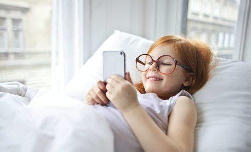 Les enfants et le téléphone: bonne ou mauvaise idée